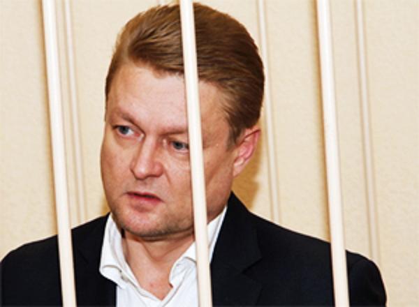 Связанный с ОПГ чиновник Алексей Сафонов получил 9 лет колонии