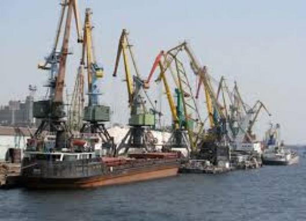 Санкции разоряют морские порты Крыма