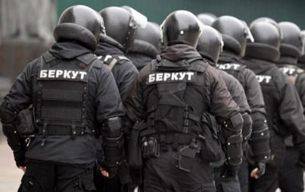 Обвиняемые в убийствах на Майдане экс-беркутовцы объявили голодовку