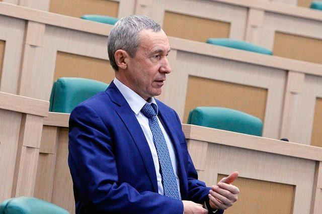 У сенатора Климова нашлись офшоры и успешный брат-бизнесмен