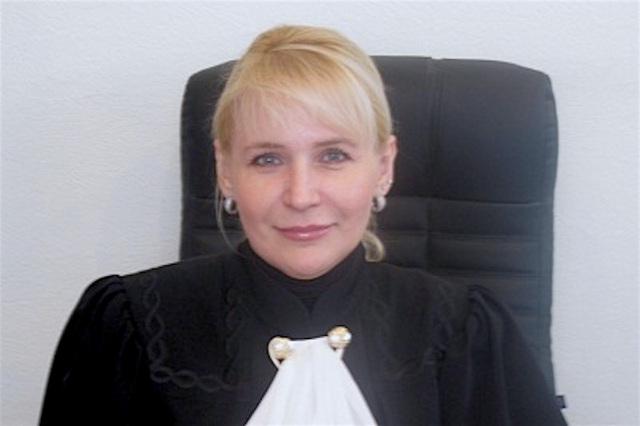 Ростовская судья обеспечивала фирме супруга победу в арбитраже