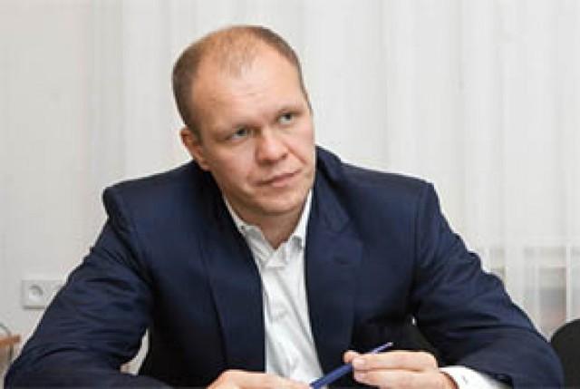 Как фирмы друга Яценюка прощают всем свои долги