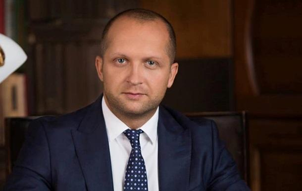 Суд арестовал BMW, часы, деньги и недвижимость Максима Полякова
