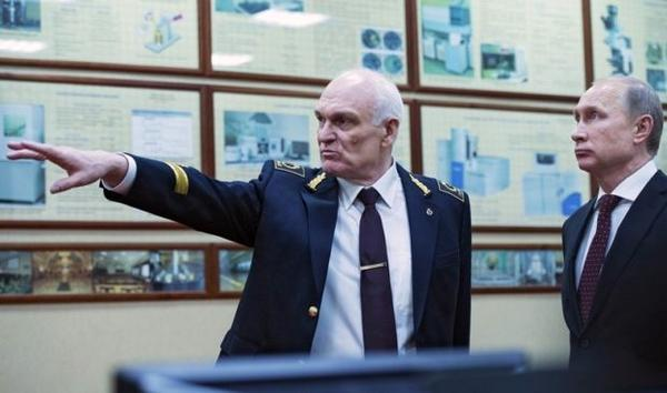 Как «литературный негр» Путина и Сечина стал ректором-миллиардером