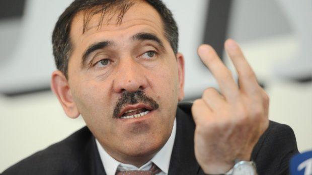 Глава Ингушетии заявил о необходимости ввести цензуру, чтобы «возвеличивать» дем FF8 ократию