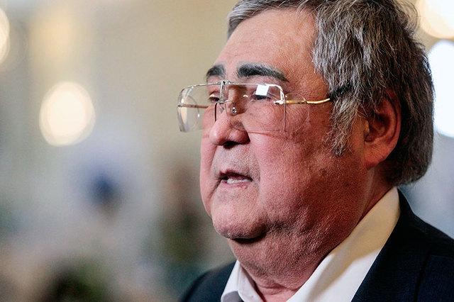 Кремль не намерен снимать Тулеева с поста губернатора Кемеровской области