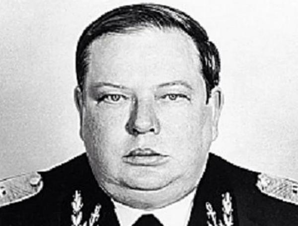 """""""Нам пришлось взорвать дома, чтобы посадить его в Кремль"""" - Генерал ФСБ Угрюмов"""