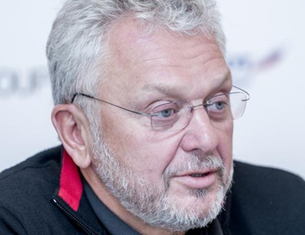 Виктор Христенко провалил план по гольфу