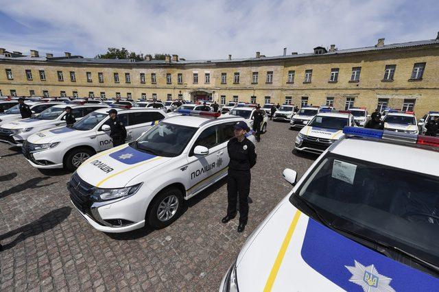 НАБУ подозревает, что при закупке полицейских Outlаnder переплатили более 240 млн
