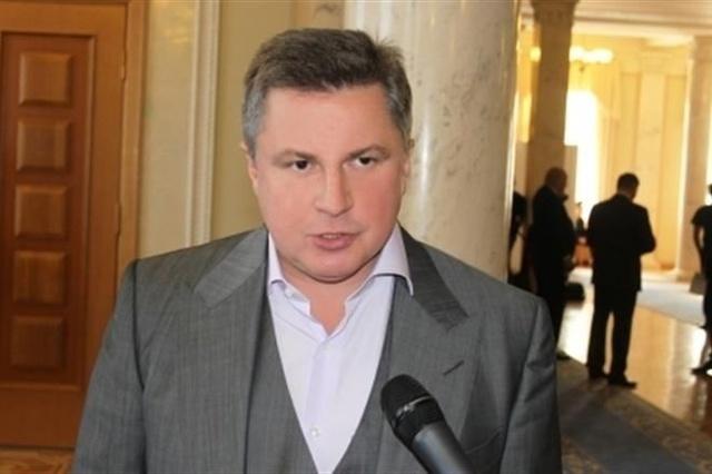Суд разрешил арестовать швейцарские счета Азарова-младшего