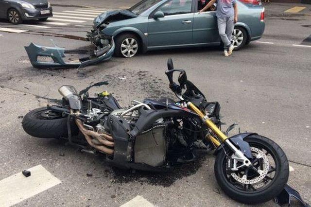 Сын министра финансов РФ попал в ДТП на мотоцикле
