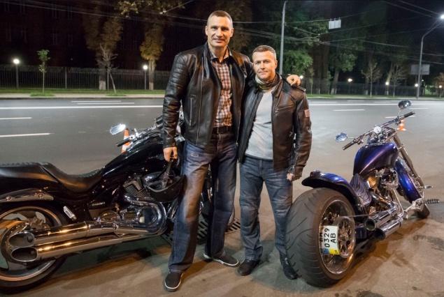 Глава «Киевавтодора» «забыл» задекларировать мотоцикл за 15 тысяч долларов?