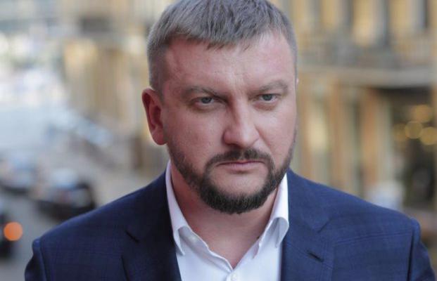 Реформы против взяток: как министр Петренко отбивался от журналистов-расследователей