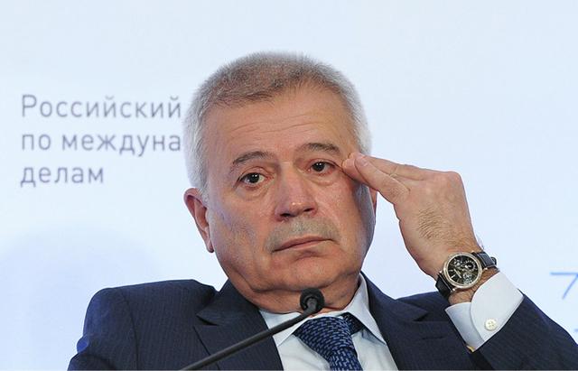 """Акционер банка """"Открытие"""" Вагит Алекперов приобрел за 1 миллиард долларов испанский порт для яхт"""