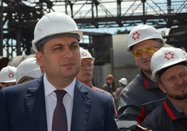 Гройсман решил помочь Ахметову