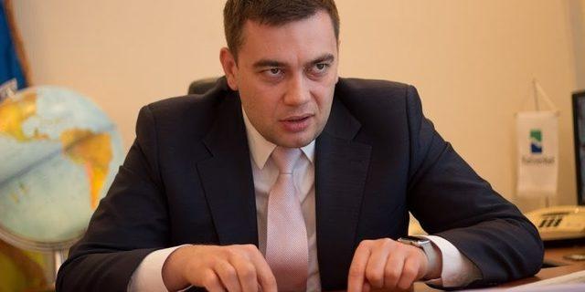 Максим Мартынюк: выгодный бизнес на государственной службе