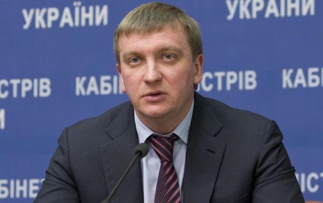 """Петренко соврал, что не знает """"смотрящего"""" за Минюстом Довбенко"""