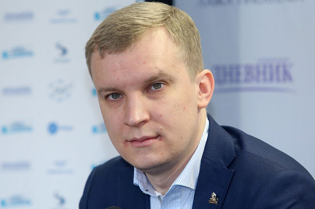 Финансового директора петербургской Росмолодежи отправили под домашний арест