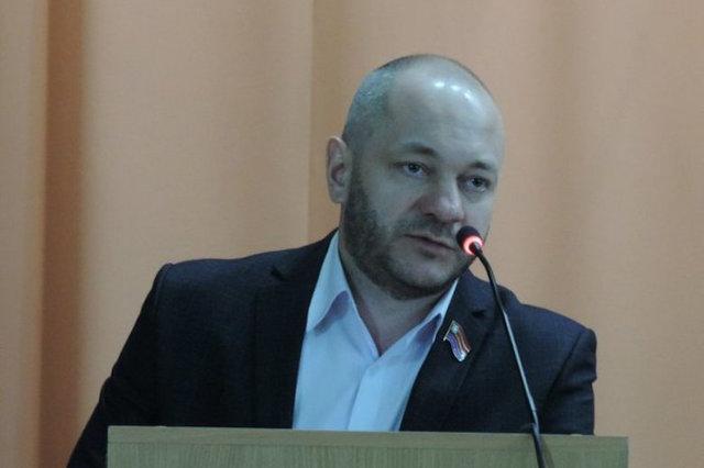 Орловский депутат приговорен к исправительным работам за оскорбление полицейского после дебоша в караоке