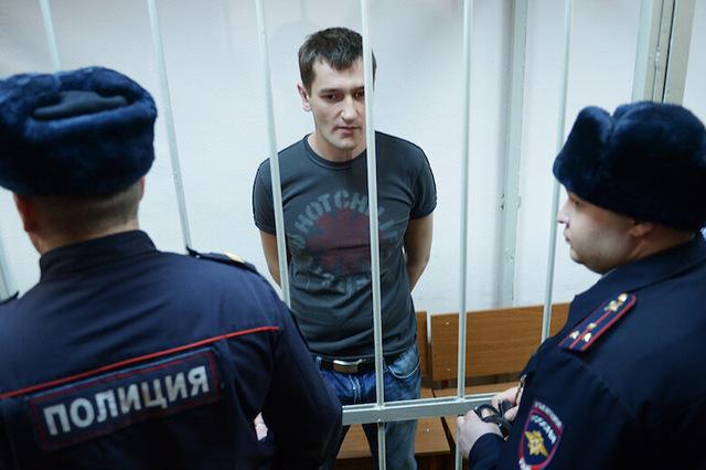 Олег Навальный рассказал о массовом вскрытии вен заключенными орловской колонии. УФСИН отрицает