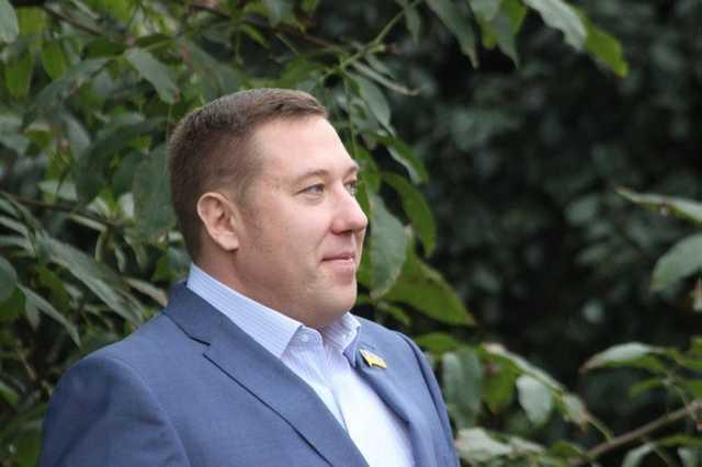 Сольвар Руслан Николаевич, избежав уголовного дела по милости Бориса Колесникова, устроил аферу с квартирой за одну гривну