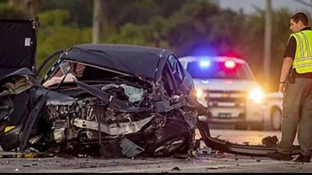 В США в автокатастрофе погибли известная модель и основатель бизнес-империи по производству препаратов из конопли