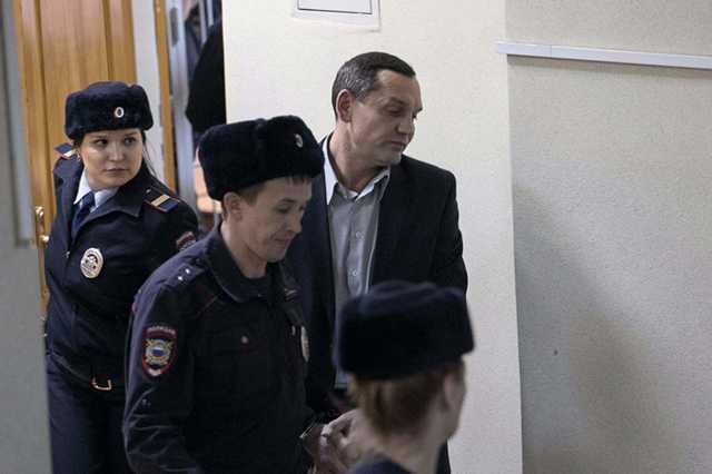 Бывший замначальника ИК-2 в Екатеринбурге получил 6,5 лет за организацию пыток со съемкой видео