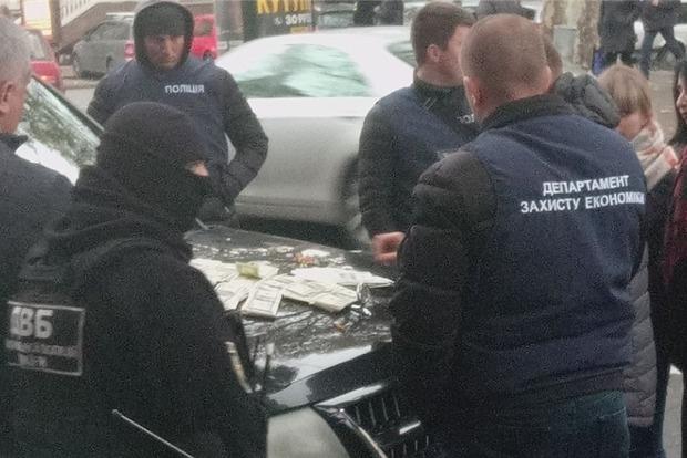В Одессе на взятке в 70 тыс. долларов попался следователь полиции