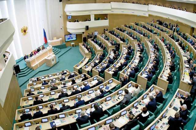 Источник РИА «Новости» в Совфеде анонсировал «блокировку сигнала» СМИ за нарушение закона об «иностранных агентах»