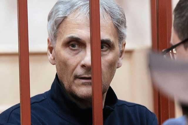 Обвинение просит для бывшего губернатора Сахалина 13 лет строгого режима и 500 млн штрафа