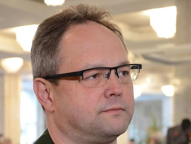 Документы и факты: троим сотрудникам - реальные роки, а их начальнику Александру Есипову - звание и награды