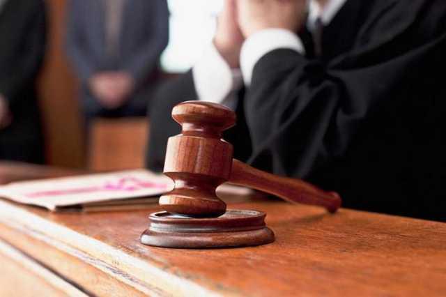 Обвиняемый перерезал себе горло в туалете Солнцевского районного суда Москвы