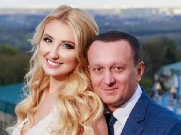 Муж замминистра юстиции Натальи Севостьяновой (Бернацкой) успешно ведет свой бизнес в России