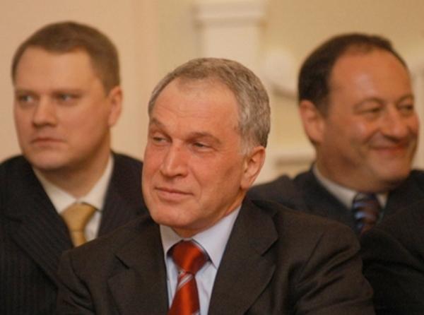 Юрий Ковальчук - белый и игристый