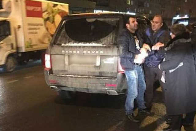 В Петербурге бизнесмен совершил вооруженное нападение на автобус с детьми