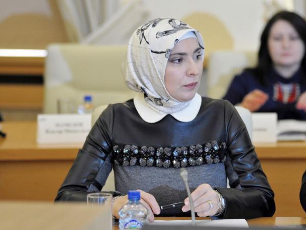Супруга муфтия Дагестана решила баллотироваться в президенты России
