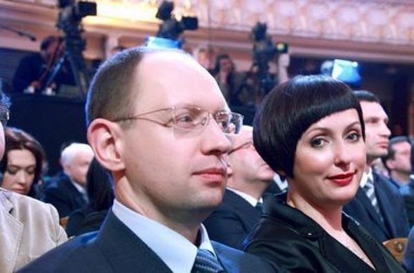 Яценюк и жена Авакова прописались в США
