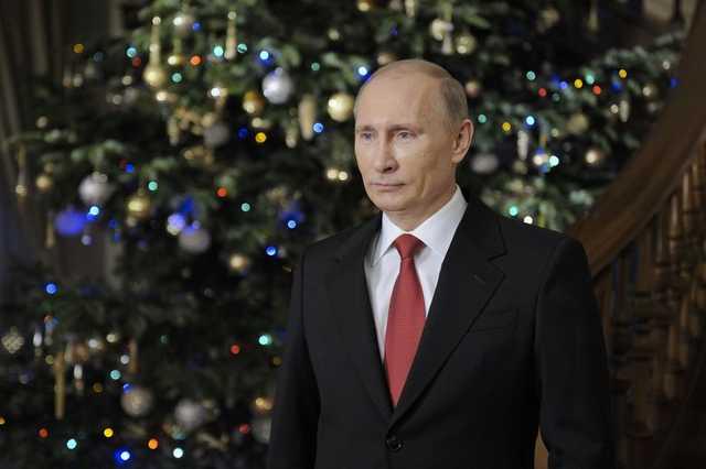 Стало известно, с кем Путин и Медведев встретят Новый год