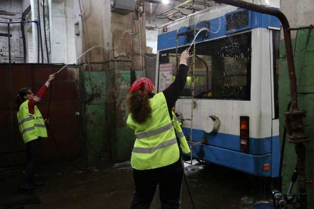Мосгортранс потратил 8,5 млн рублей на неработающую мойку для троллейбусов