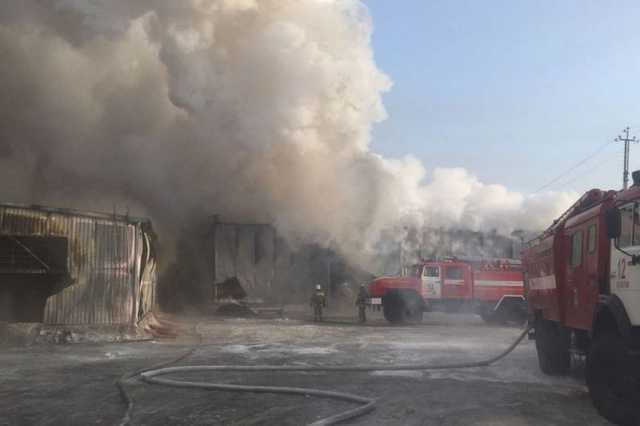Под Новосибирском при пожаре на обувной фабрике погибли десять граждан Китая
