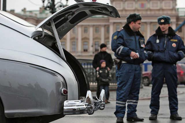 Массовая драка произошла в центре Петербурга, восемь человек госпитализированы