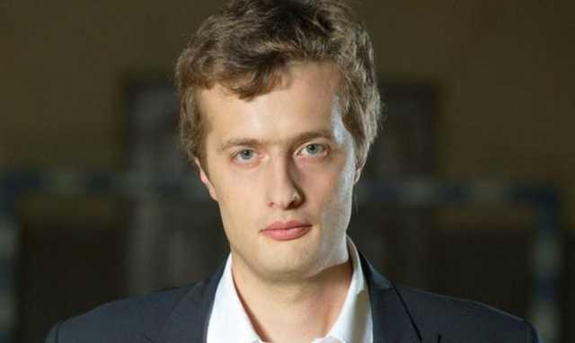 Сыну Порошенко дали денег из госбюджета на поездку в Бангладеш