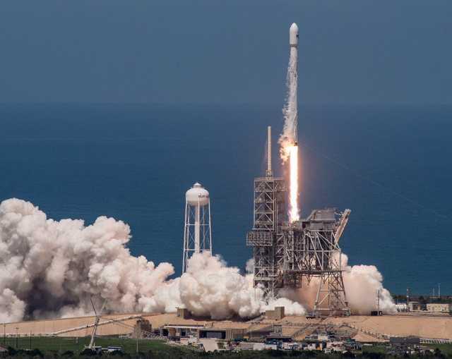 Стоимость потерянного SpaceX секретного спутника — миллиарды