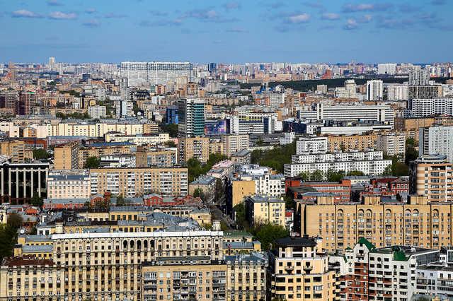 Москвичи попавшего под реновацию дома заявили в ФСБ об угрозах
