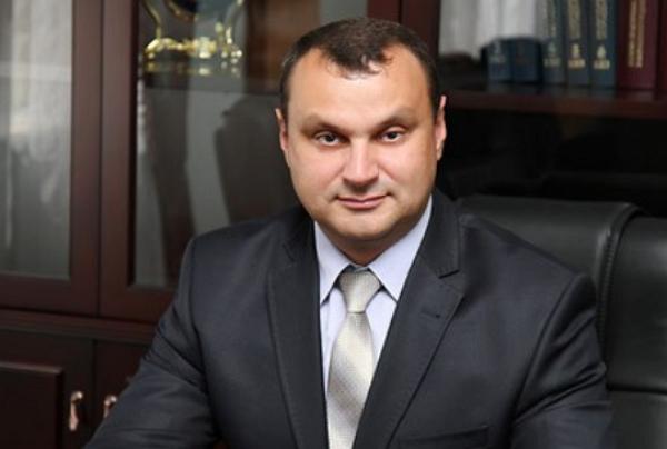 """Глава СБУ Черниговской области отметил свое назначение покупкой """"Мерседеса"""""""