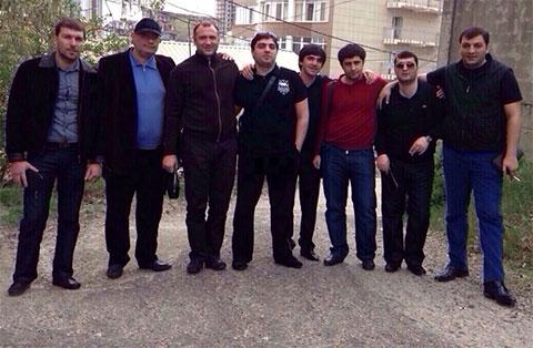 Слева воры в законе: 3) Юра Усоян (Лазаревский), 4) Георгий Калашян (Котик), 8) Шалва Озманов (Куся)