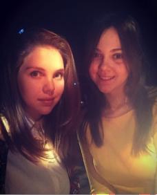 Оксана с подружкой