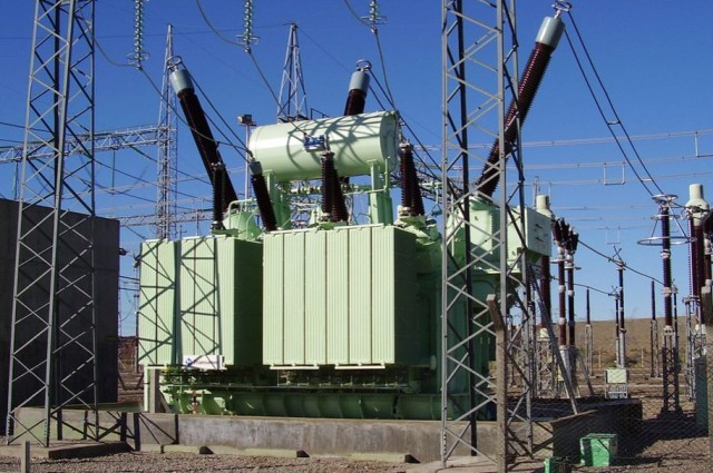 """Ось такі та ще більші трансформатори григоришинського заводу хоче купити """"Укренерго"""" на 2 млрд грн. Вартість одного — близько 100 млн грн."""