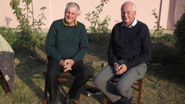 Джеймс (слева) и Даг Дайкс.