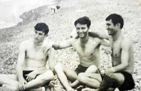 Слева воры в законе: Рауль Гогилава, Борис Гугунава (Бочия) и Гиули Гачава (Бадри)